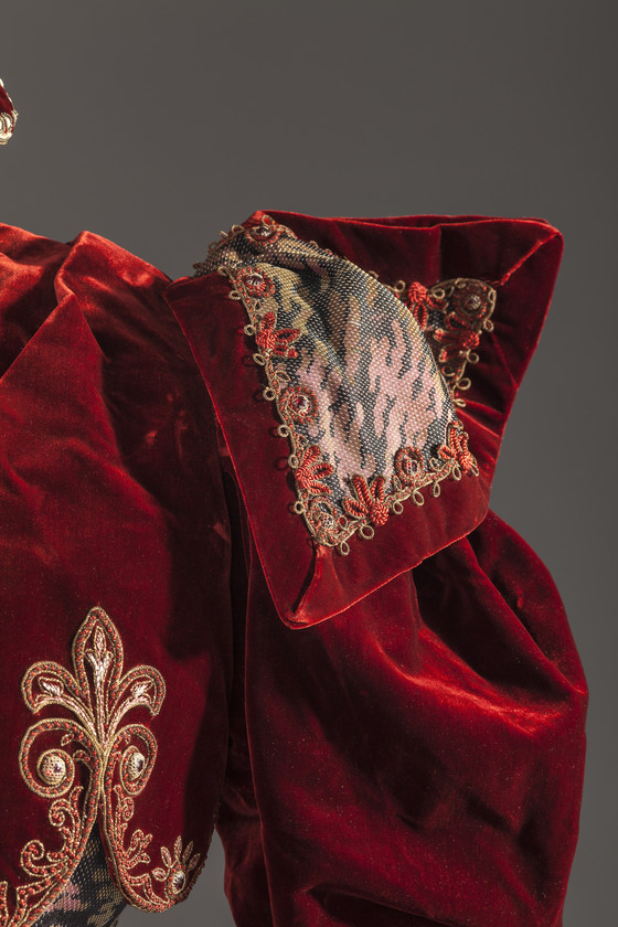 Dress, Emile Pingat, Paris, 1897, Silk velvet & silk compound weave with supplementary warp floats, linen lace, cotton, silk, and metallic-thread applique & glass beads, LACMA M.2012.95.123a-b