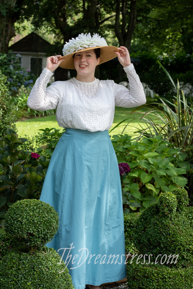 Historical costumes at Fernside thedreamstress.com