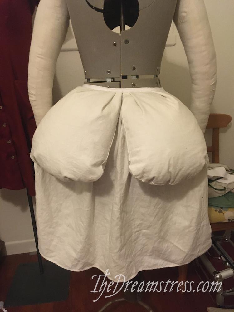 Making a 1780s bum rump thedreamstress.com
