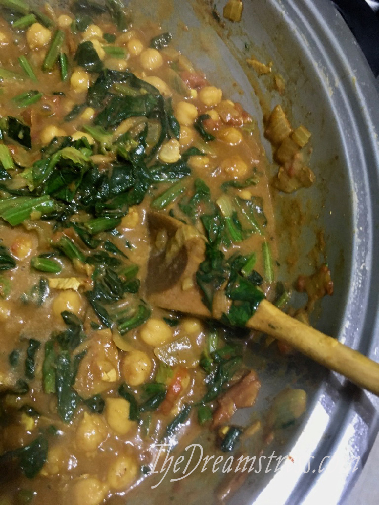 Chickpea & Spinach Curry thedreamstress.com