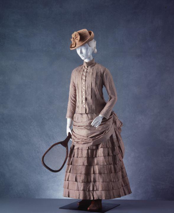 Tennis dress, womens, bodice and skirt, tussore silk, England, 1880-1890 Powerhouse Museum H6536