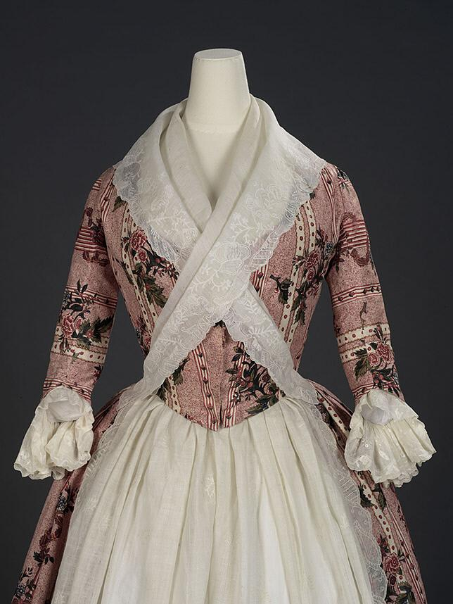 Overdress of a robe à l'anglaise, Chintz: painted and resist-dyed cotton tabby, English dress made of Indian export chint, c.1780, Royal Ontario Museum, 972.202.12