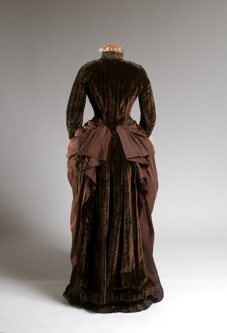 Carriage dress, 1885 The Agnes Etherington Art Centre at Queen's University