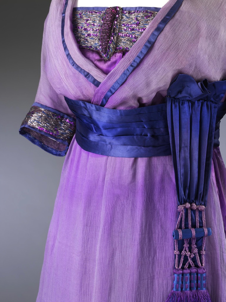 Evening dress, London, 1912, Lucile (1863 - 1935), Silk, embroidered & appliqued metal thread, glass beads, sequins (gelatin?), metal hooks & eyes, silk net, ©Victoria & Albert Museum T.35-1960