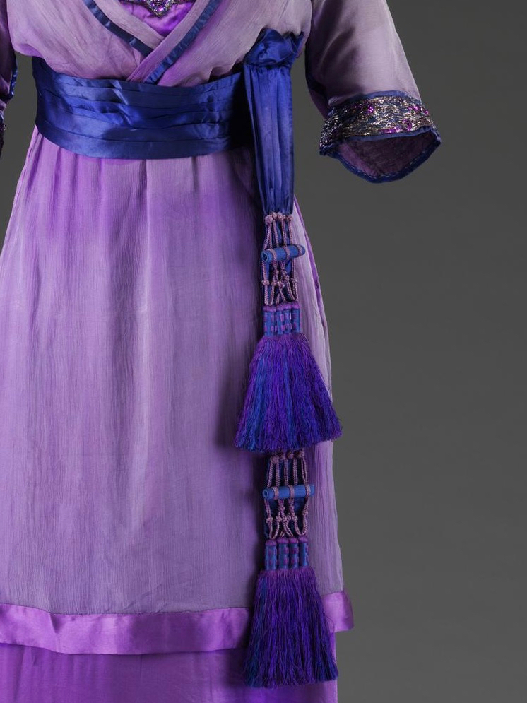 Evening dress, London, 1912, Lucile (1863 - 1935), Silk, embroidered & appliqued metal thread, glass beads, sequins (gelatin?), metal hooks & eyes, silk net, ©Victoria & Albert Museum T.35-1960