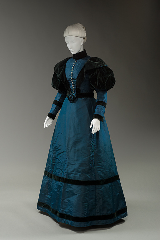 Day dress, 1897, Historic Deerfield Museum