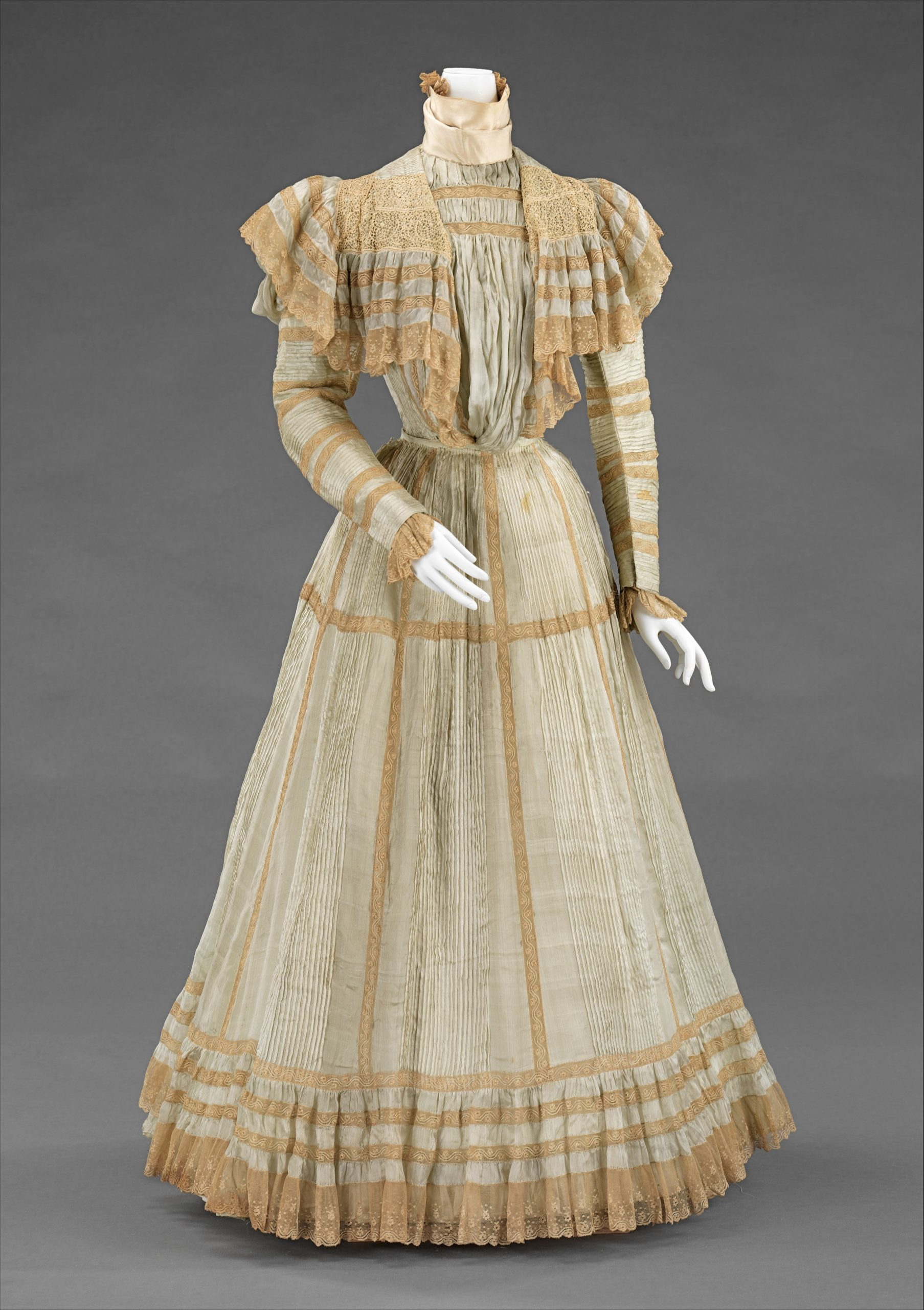 Dress, Jeanne Hallee (French, 1880–1914), ca. 1900, French, silk, Brooklyn Museum Costume Collection at The Metropolitan Museum of Art 2009.300.3098a-b