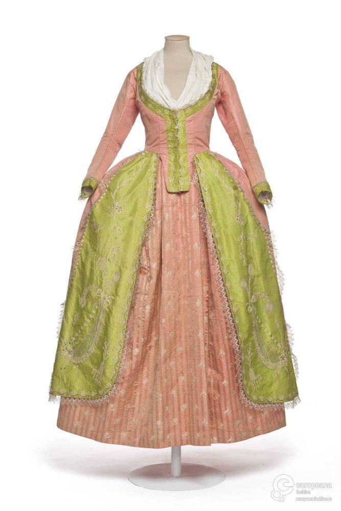 Robe à la Polonaise (?), 1780-85 Musée des Arts Décoratifs, UF 70-38-1