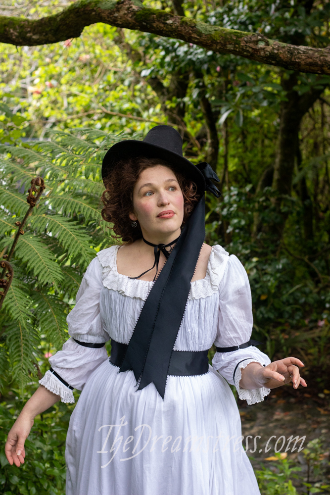 1780s hat and chemise a la reine thedreamstress.com