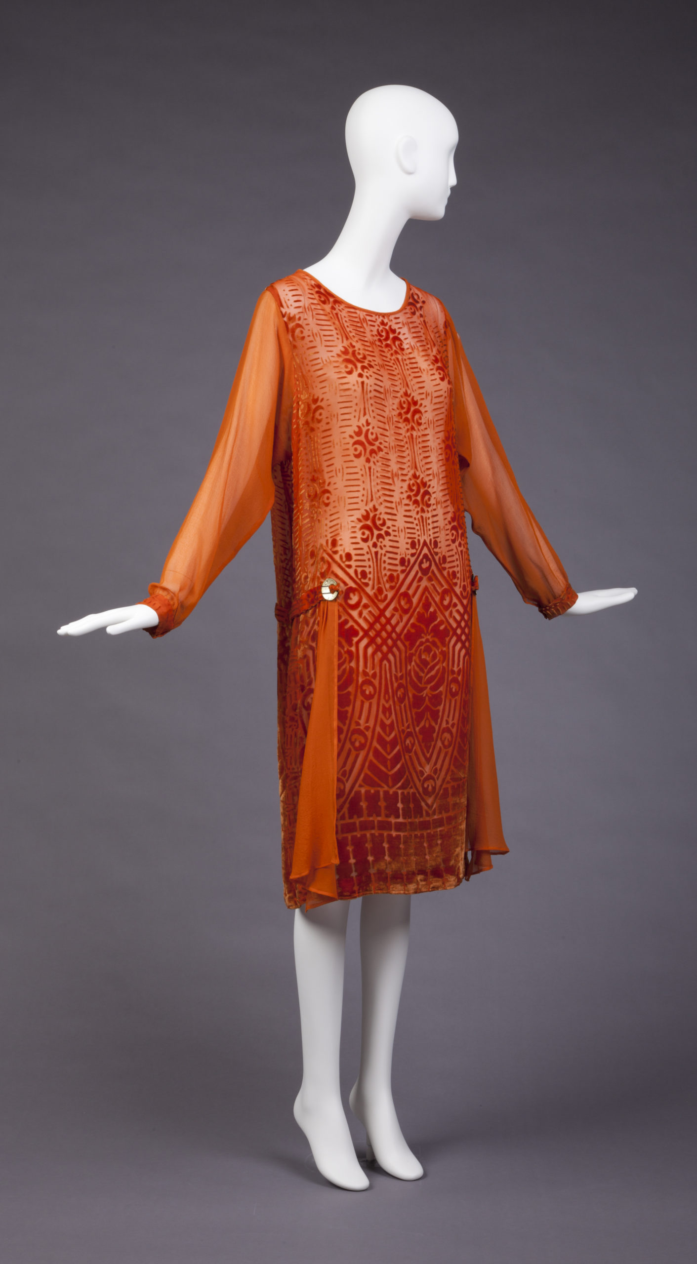 Dress, 1927-1928, plastic, silk, Gift of Mrs. Herbert O. Johnson, Goldstein Museum of Design 1981.033.032