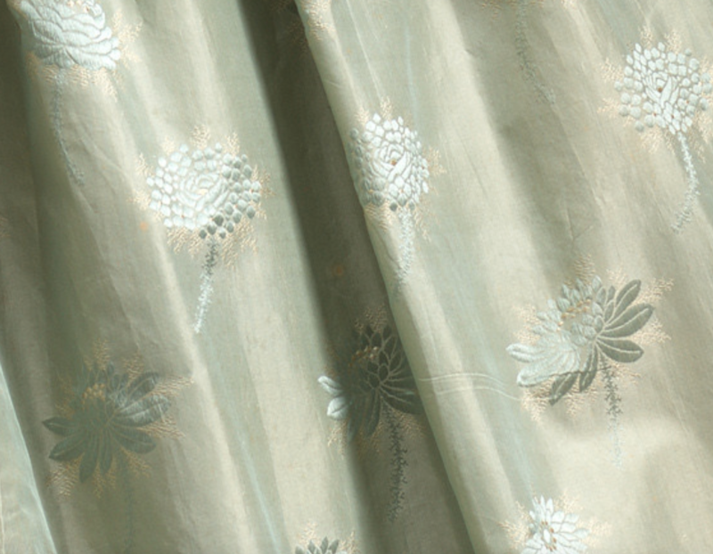 Wedding dress, 1850, England, silk, cotton, 145.0 cm (centre back) 51.0 cm (sleeve length) National Gallery of Victoria, Melbourne Gift of Mrs Betty Blunden, 1979, D5-1979