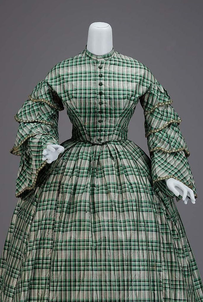 Dress, American, mid-19th century, Silk taffeta, cotton twill lining, plush velvet buttons, silk ribbon trim, whalebone, Gift of Miss Eleanor E. Barry, MFA Boston, 53.2222a-b