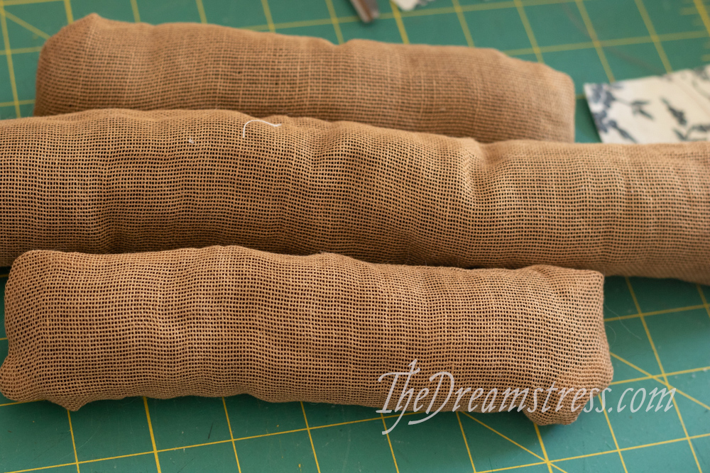 Making historical hair pads thedreamstress.com