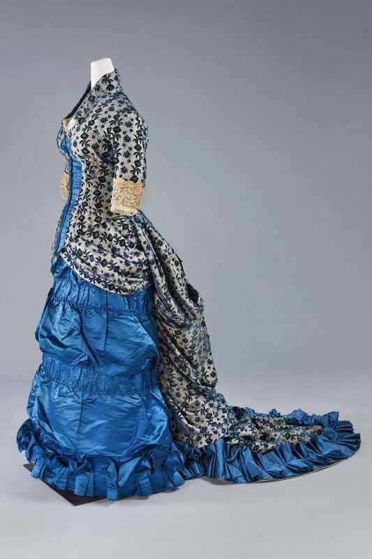 Dress ca. 1876, silk, lace, cotton, jacquard woven velvet, Centraal Museum Utrecht, 4468/001-002