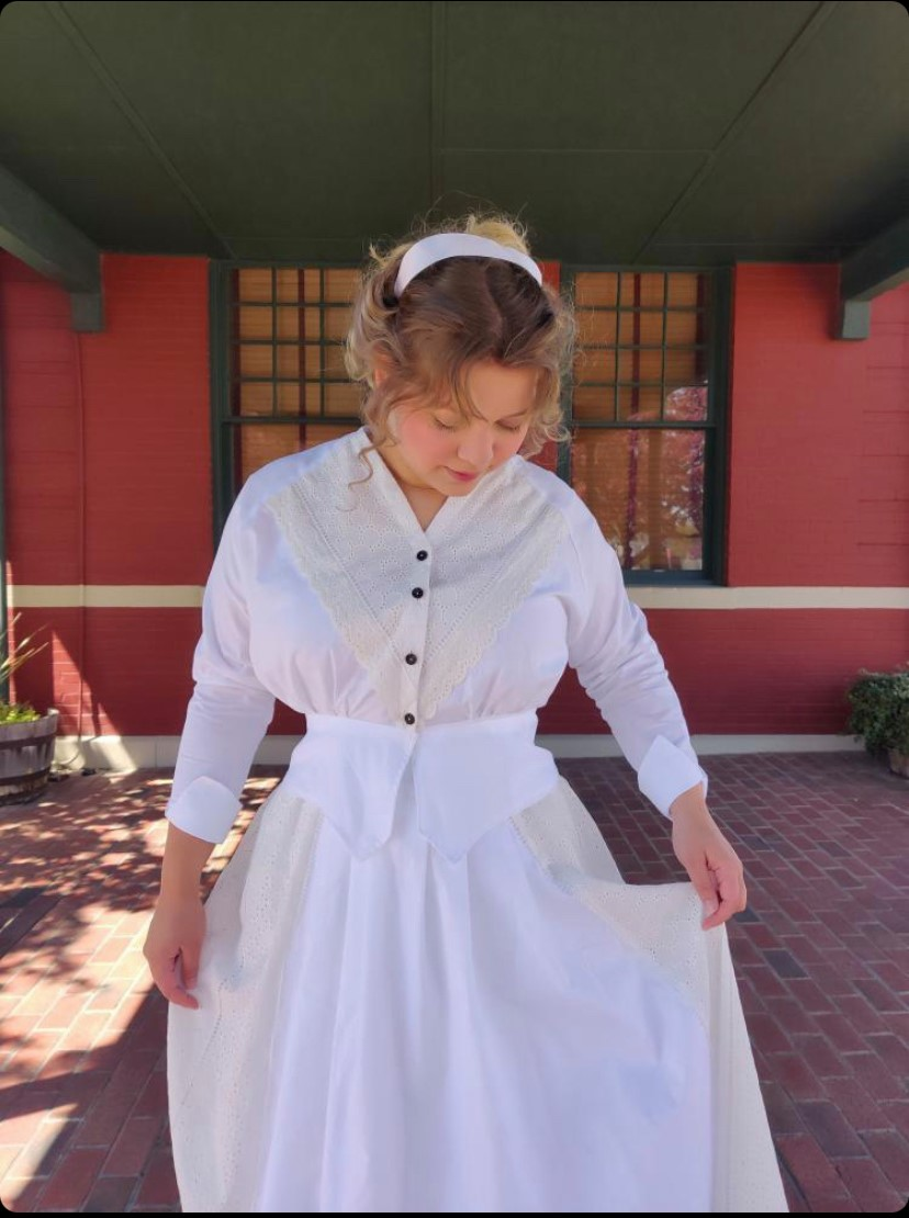 @historical_hopes in the Scroop Patterns Selina Blouse