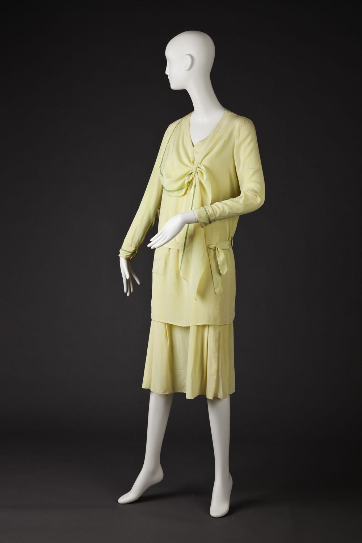 Day dress, 1920-1929, silk, Gift of Karen Olson, Goldstein Museum of Design 2004.003.001