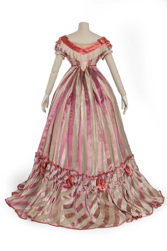 Evening dress, 1869, Les Arts Décoratifs