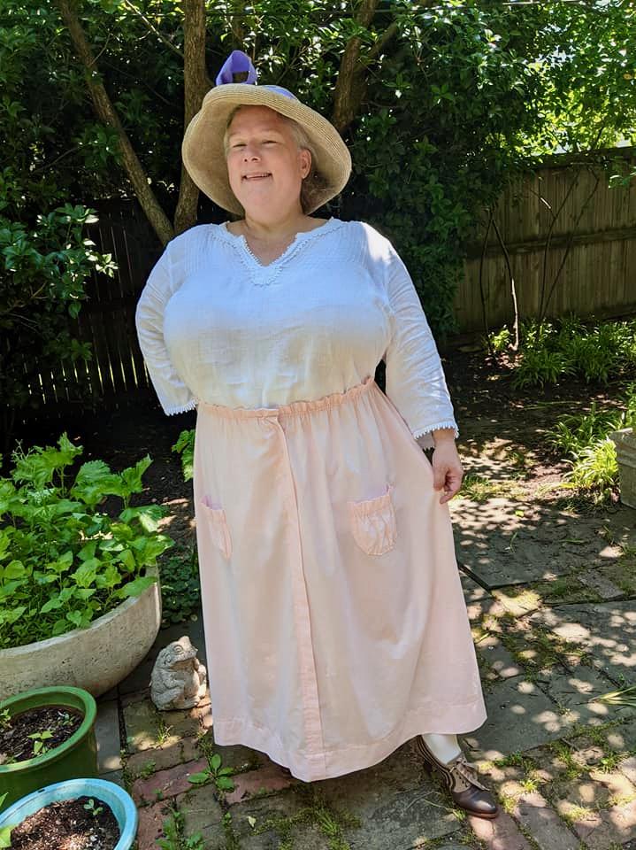 Jocelyn of @skirted_galleons in the Scroop Patterns Kilbirnie Skirt scrooppatterns.com