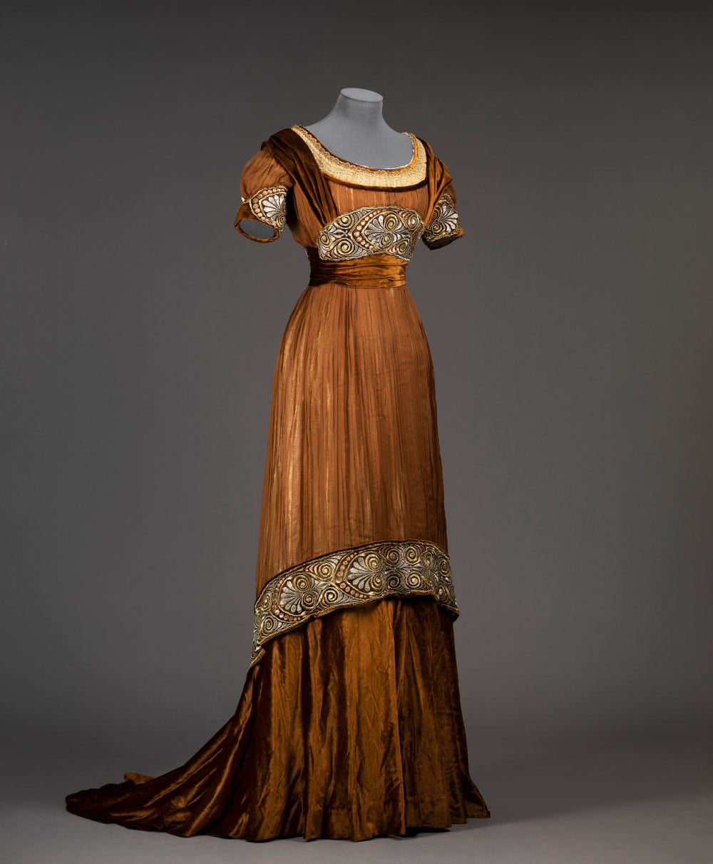 Evening dress by Augusta Lundin, 1913, Sweden, silk georgette with gold, silver and copper silk thread embroidery, lamé, velvet, gold lace, chiffon, satin, Göteborgs Stadsmuseum