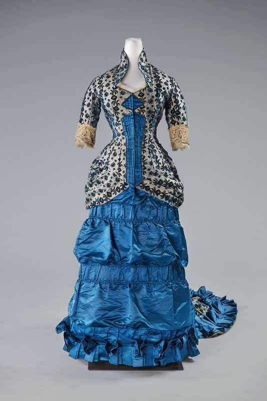 Reception gown, ca. 1876, Centraal Museum